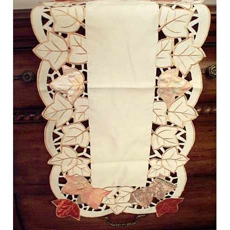 Table Runner Autumn Elegance 15x54 Cream Heritage Lace